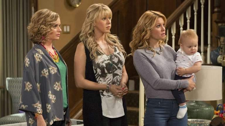 Kimmy Gibbler (Andrea Barber), Stephanie (Jodie Sweetin) and