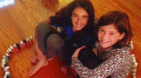 Kidsday reporters Lucy Zalayet, left, and Danielle Levitt