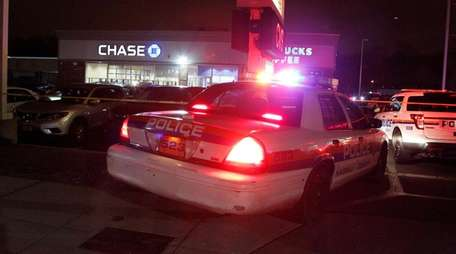 Nassau Police investigate a bank robbery with a