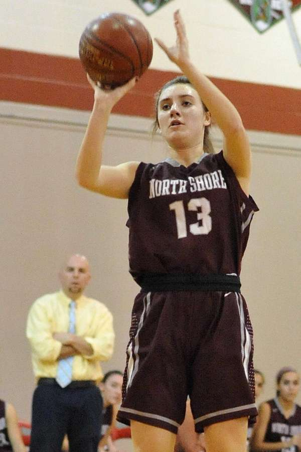 Gabrielle Zaffiro of North Shore shoots a