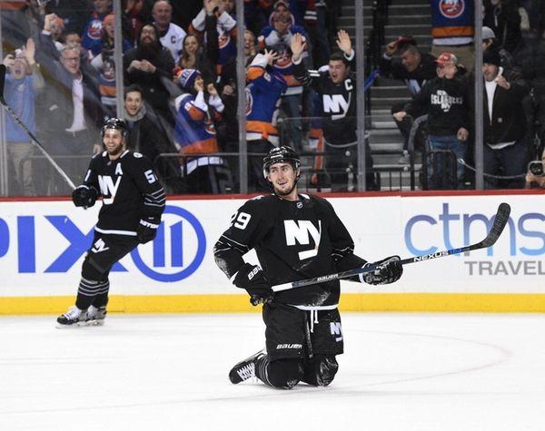 New York Islanders left wing Brock Nelson