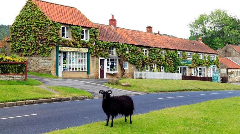 Road To Little Dribbling Review Bill Bryson Tours England Newsday - Tours of england