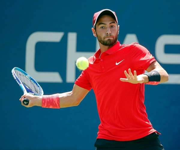 Noah Rubin with the forehand during his qualifying