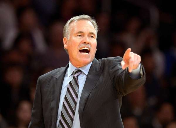 Then-Los Angeles Lakers head coach Mike D'Antoni