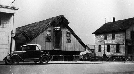 Roslyn Grist Mill circa 1925.