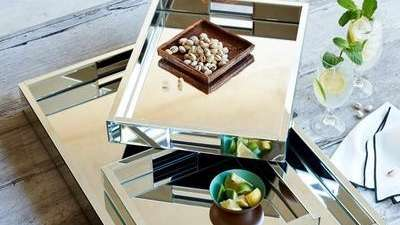 Dress up the tabletop with these mirror trays