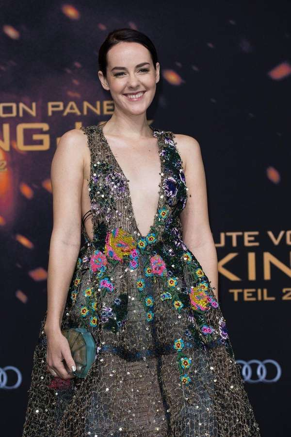 Actress Jena Malone attends the premiere of