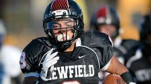 Newfield's Elijah Riley scores on a 63-yard run