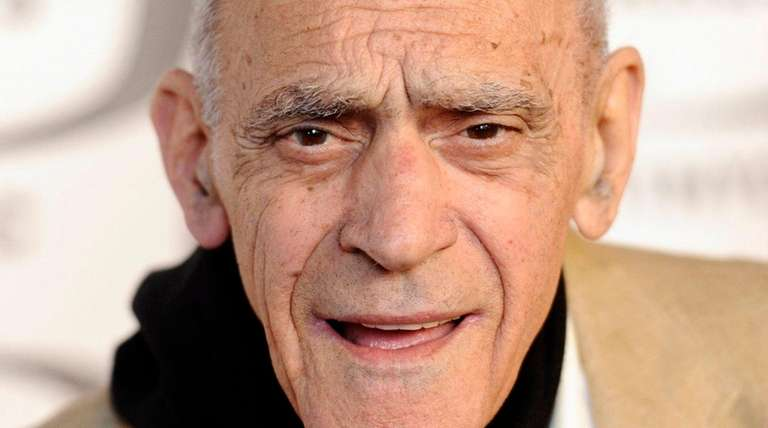 Abe Vigoda, who played the over-the-hill detective Phil