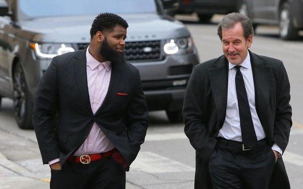 New York Jets defensive lineman Sheldon Richardson, left,