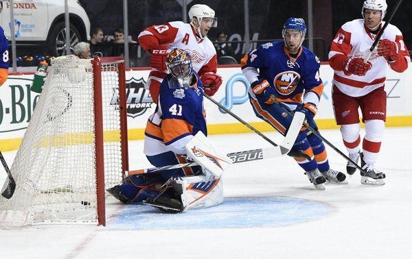 Islanders goalie Jaroslav Halak allows goal to Red