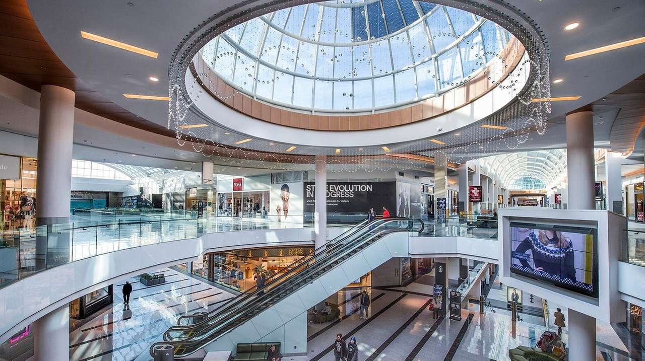 Tory Burch among new retailers coming to Roosevelt Field mall | Newsday