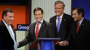 Republican presidential candidates (L-R) New Jersey Gov. Chris