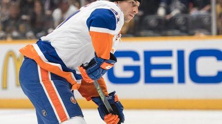 New York Islanders forward John Tavares aims a