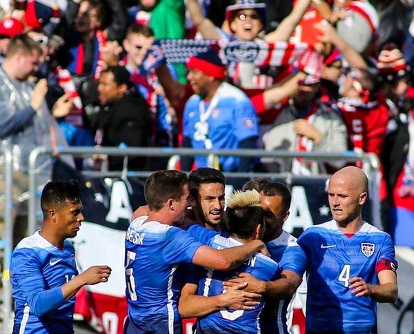 United States defender Steve Birnbaum, center, celebrates