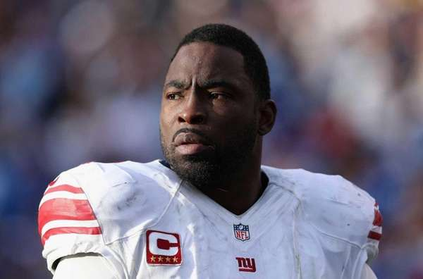 Justin Tuck of the New York Giants looks
