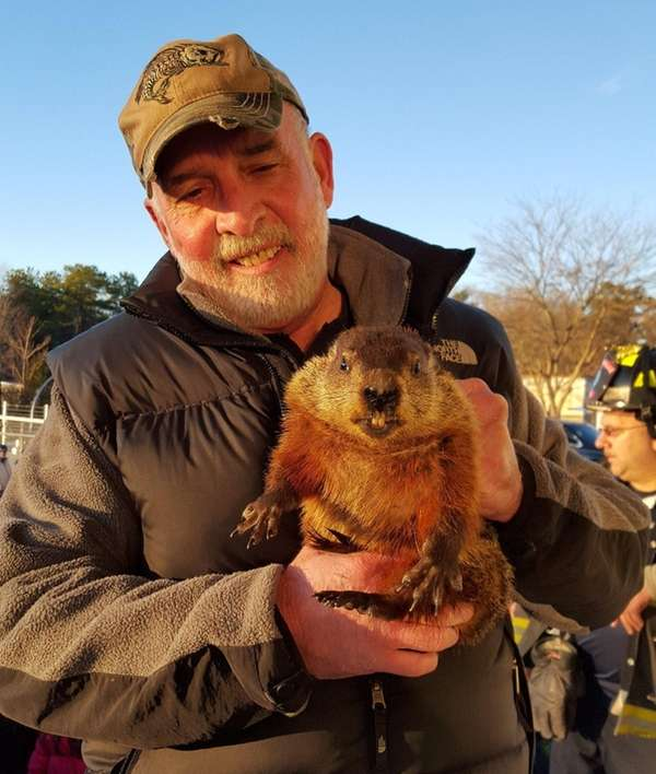Holtsville Hal, with handler Greg Drossel, predicted an