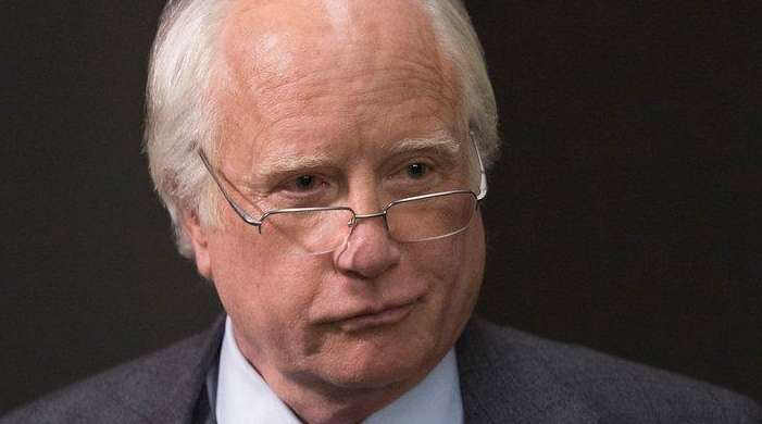 Richard Dreyfuss stars as Bernard Madoff, the title