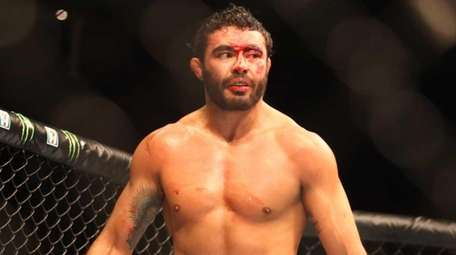 Rafael Natal stopped Kevin Casey in the third