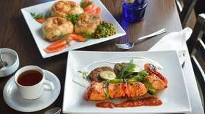Chicken shish kebab with zucchini pancakes and tomato