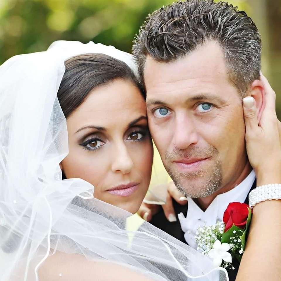 Warren Muens and Christina D'Orta married at Flowerfield