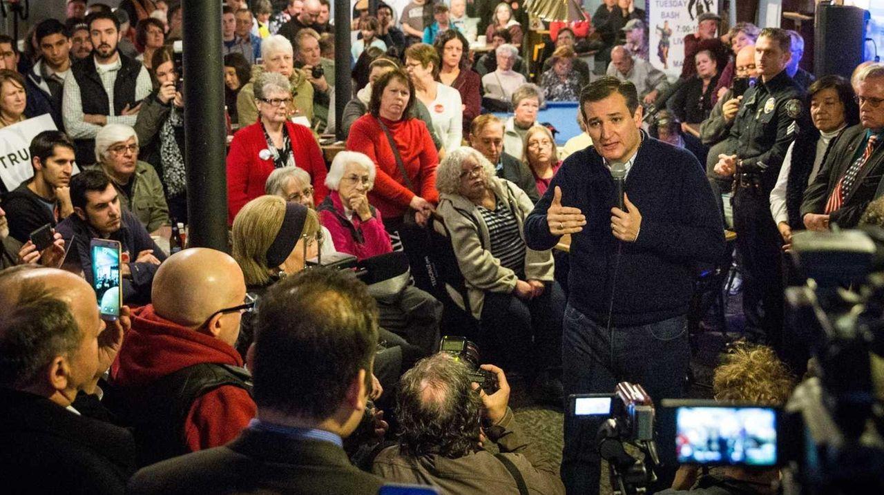 GOFFSTOWN, NH - FEBRUARY 03: Republican presidential hopeful