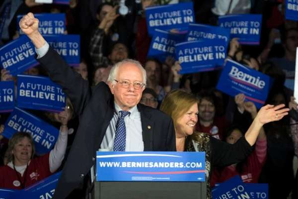 Democratic presidential candidate Sen. Bernie Sanders and wife
