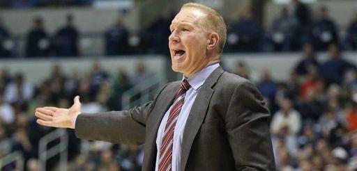 St. John's head coach Chris Mullin gives instructions