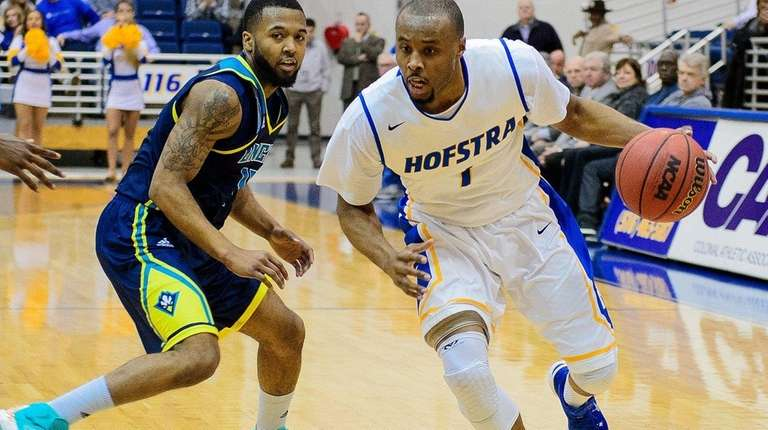 Hofstra Pride guard Juan'ya Green (1) during the