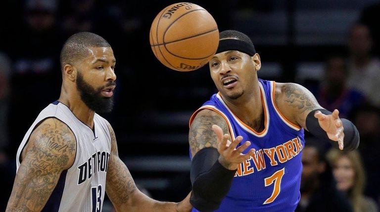 New York Knicks forward Carmelo Anthony controls the