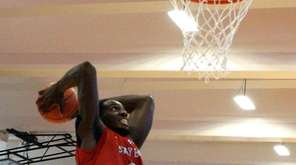 Jameel Warney puts an exclamation point on Stony