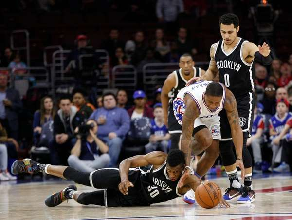 Brooklyn Nets' Thaddeus Young (30) tries to