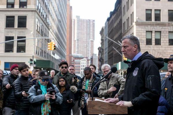 New York Mayor Bill de Blasio announces new