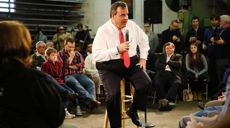 Chris Christie speaks at a town hall event