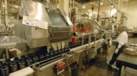 Supplements being manufactured at NBTY facilities in Bohemia
