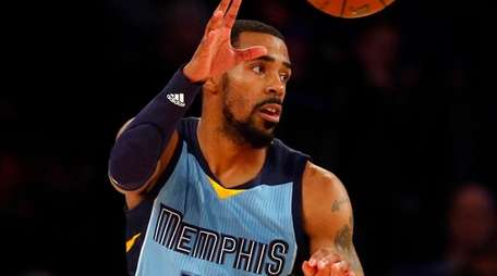 Mike Conley of the Memphis Grizzlies takes a