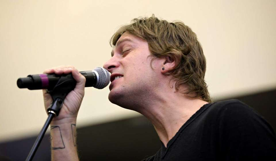 Lead singer of Matchbox Twenty, Rob Thomas, born