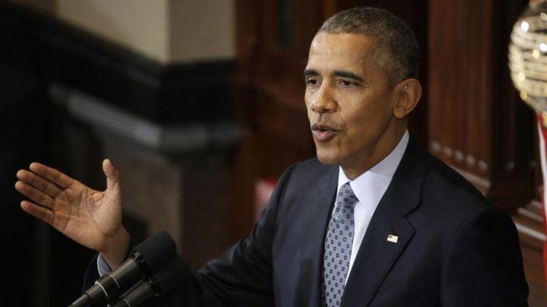 President Barack Obama addresses the Illinois General Assembly
