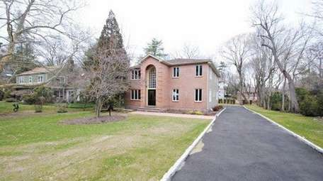 3 The Birches ; $1,530,000 ; Recently SoldKeller