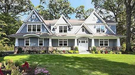 High End ; $2,998,000 ; Buying In Roslyn