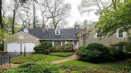 Trade Up ; $1,498,000 ; Buying In Roslyn