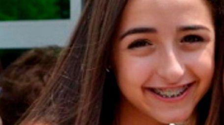 Alyssa Benyaminy, a freshman at Roslyn High School,
