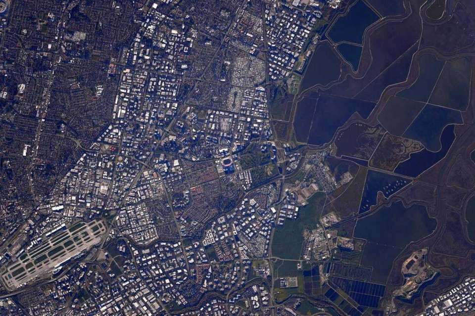 Astronaut Scott Kelly took this picture Sunday, Feb.