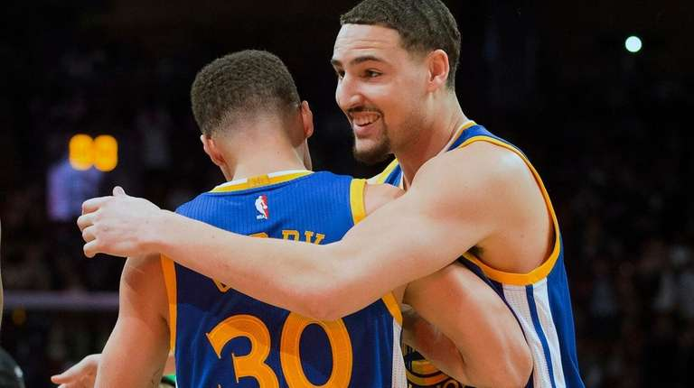 8074b20e9e4c Klay Thompson splashes Steph Curry in Three-Point Contest at NBA All ...