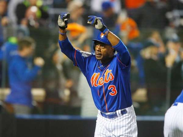 New York Mets rightfielder Curtis Granderson celebrates a