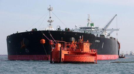 The Starla, an Iranian crude oil tanker, makes