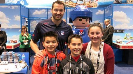 NY Rangers left winger Rick Nash with Kidsday