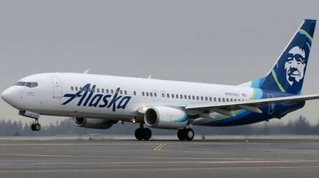 An Alaska Airlines Boeing 737-800 with its new