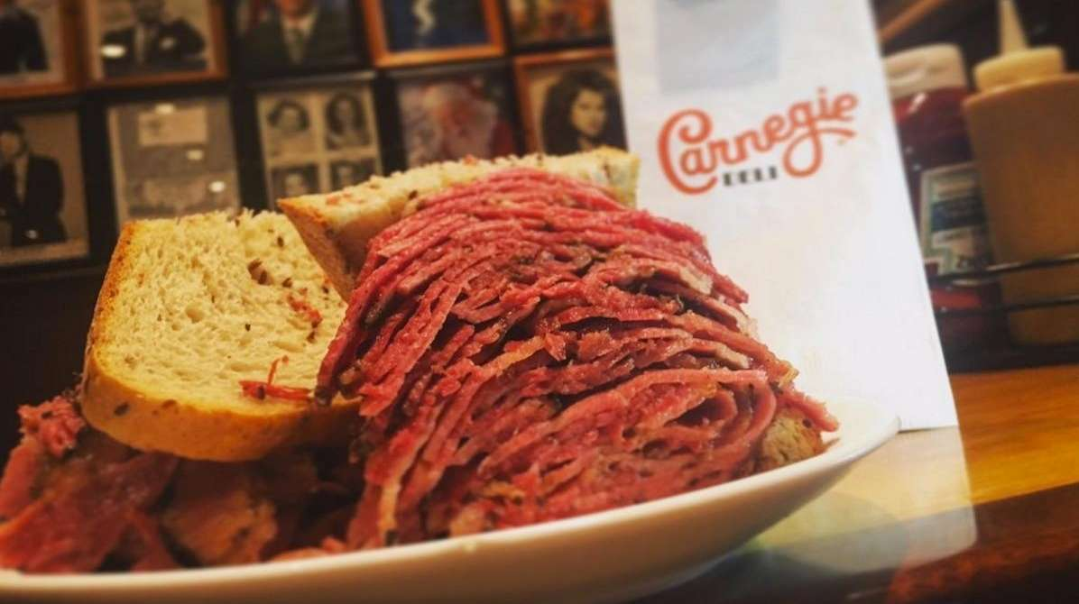 Bill de Blasio tweeted a pastrami sandwich from