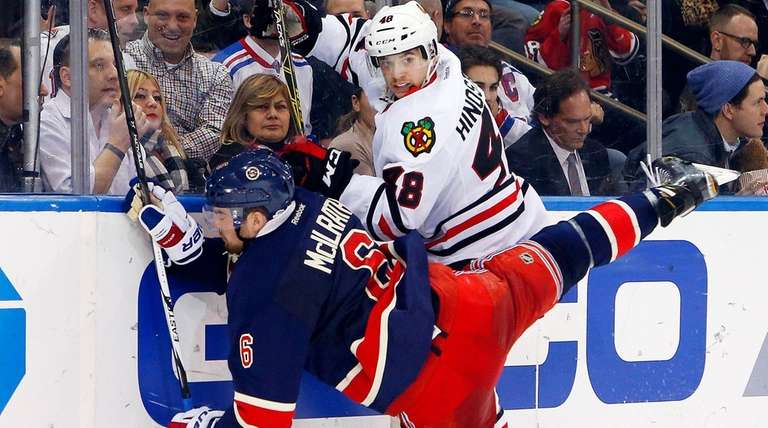 Vincent Hinostroza #48 of the Chicago Blackhawks